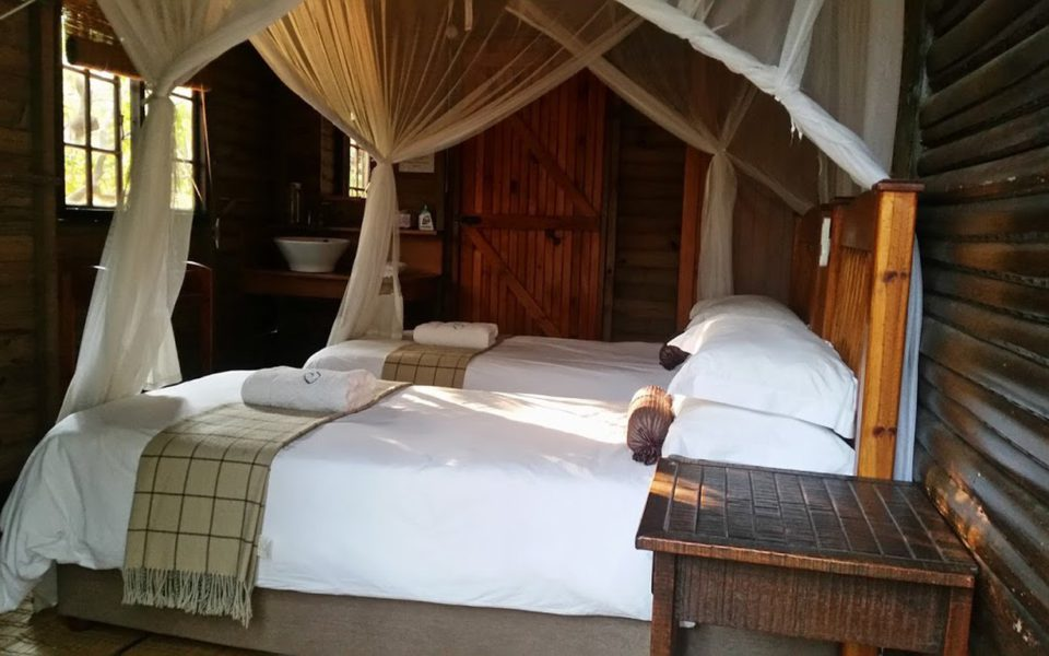Kosi Bay accommodation in chalets at Utshwayelo Lodge