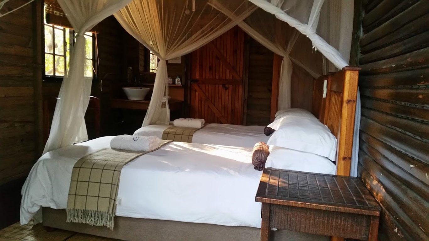 Kosi Bay accommodation in chalets at Utshwayelo Lodge