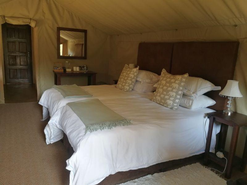 Luxury accommoation at Utshwayelo Lodge & Camp