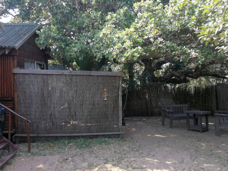 Hippo chalet with screen at Utshwayelo Lodge & Camp